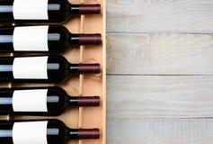 Tabla de madera de la caja de la botella de vino Fotografía de archivo libre de regalías