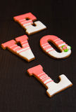 Tabla de madera hecha a mano del pan de jengibre Fotografía de archivo libre de regalías