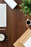 Tabla de madera de la oficina Imagenes de archivo