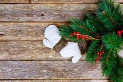 Tabla del árbol de la rama del abeto del fondo del día de fiesta del Año Nuevo de la Navidad Fotos de archivo