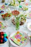 Tabla del brunch de Pascua Imagen de archivo libre de regalías