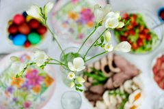 Tabla del brunch de Pascua Fotos de archivo