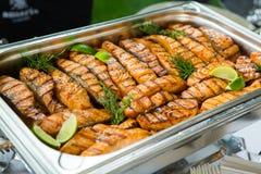Tabla del evento de la boda de la comida del abastecimiento Línea de la comida fría en la boda Primer delicioso del aperitivo imagen de archivo libre de regalías