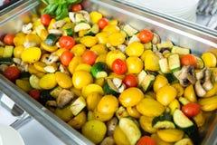 Tabla del evento de la boda de la comida del abastecimiento Línea de la comida fría en la boda Primer delicioso del aperitivo imagenes de archivo