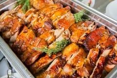 Tabla del evento de la boda de la comida del abastecimiento Línea de la comida fría en la boda Primer delicioso del aperitivo fotos de archivo libres de regalías