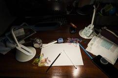 Tabla del lugar de trabajo imagen de archivo