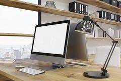 Tabla del ordenador en oficina ilustración del vector