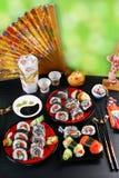 Tabla del partido del sushi Foto de archivo