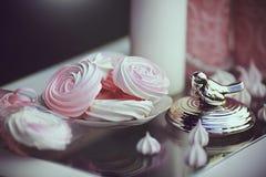 Tabla dulce romántica Fotografía de archivo libre de regalías