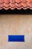 Tabla en la pared de la casa imagen de archivo libre de regalías