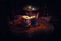 Tabla ethnique d'instrument de musique à l'intérieur du froid- image libre de droits