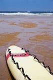 Tabla hawaiana del rescate en la playa Fotografía de archivo libre de regalías