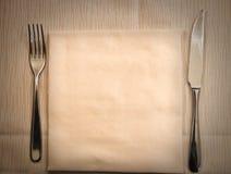 Tabla lista para la cena Imágenes de archivo libres de regalías