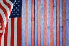 Tabla patriótica con la bandera de los E.E.U.U. Foto de archivo libre de regalías
