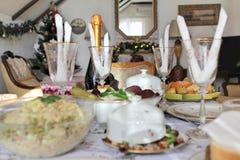 Tabla servida la Navidad (cerveza de malta) Imagenes de archivo
