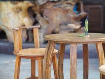 Tabla y silla Imagen de archivo libre de regalías