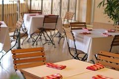 Tablas del restaurante Fotografía de archivo
