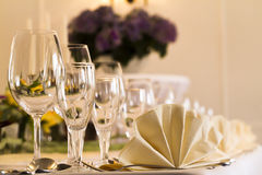 Table arrangement in a restaurant Royalty Free Stock Photos