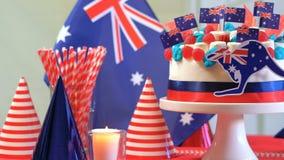 Table australienne de partie de célébration avec le gâteau de numéro sensationnel Images stock