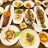 Table coréenne traditionnelle de festin, Séoul, Corée du Sud images libres de droits