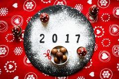Table de 2017 bonnes années avec du sucre et le chocolat Image stock