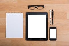 Table de bureau de vue supérieure avec le téléphone portable Photos libres de droits