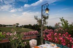 Table de dîner dans le restaurant italien Photographie stock