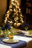 Table de dîner de Noël avec le verrine de fruits de mer Image libre de droits