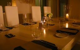 Table de dîner de la meilleure qualité de luxe d'anniversaire image libre de droits