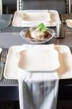 Table de dîner pour deux avec le démarreur - fromage Image libre de droits