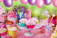 Table de fête d'anniversaire pour des enfants Image libre de droits
