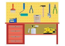 Table de fonctionnement avec des pinces de rouleau de brosse de marteau d'instrument Images stock