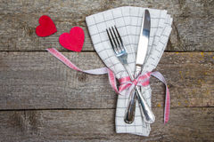 Table de portion pour une datation le jour du ` s de Valentine Photos libres de droits