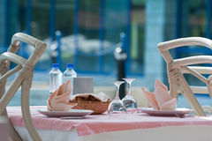 Table de restaurant image stock