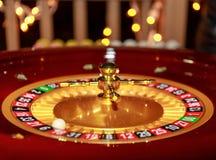 Table de roulette dans le casino Photo libre de droits