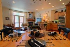 Table de salle à manger à la maison Photos stock