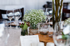Table decor with wood centre piece Royalty Free Stock Photos