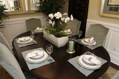 Table dinante à la maison de luxe Photo stock