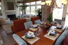 Table dinante à la maison de luxe Photo libre de droits