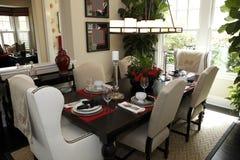 Table dinante à la maison de luxe Images libres de droits