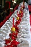 Table dinante mise pour un événement spécial Photos libres de droits