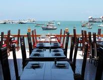 Table dinante presse de la plage Photographie stock