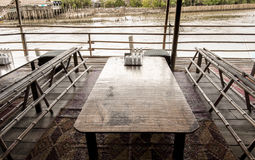 Table en bois Photographie stock libre de droits