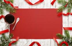 Table en bois avec des décorations de Noël L'espace libre pour le texte de carte de Noël Images libres de droits