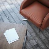 Table en bois avec deux feuilles de papier rendu 3d Photos stock