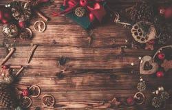 Table en bois avec la décoration de Noël photo libre de droits