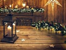 Table en bois de Noël avec la lanterne et l'ornement rendu 3d Photo libre de droits