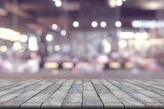 Table en pierre avec le fond de tache floue de restaurant photographie stock libre de droits