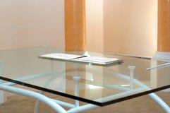 Table en verre Photo stock