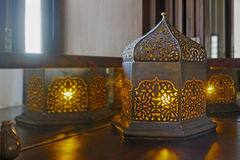 Table faisante le coin orientale de coin de lampe de table Photo stock